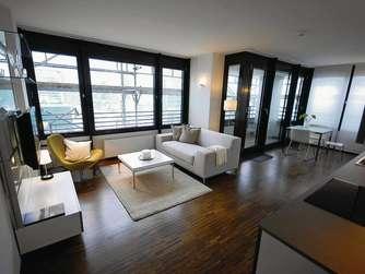 wohnen im b rohochhaus eine deutschlandpremiere in frankfurt niederrad frankfurt. Black Bedroom Furniture Sets. Home Design Ideas