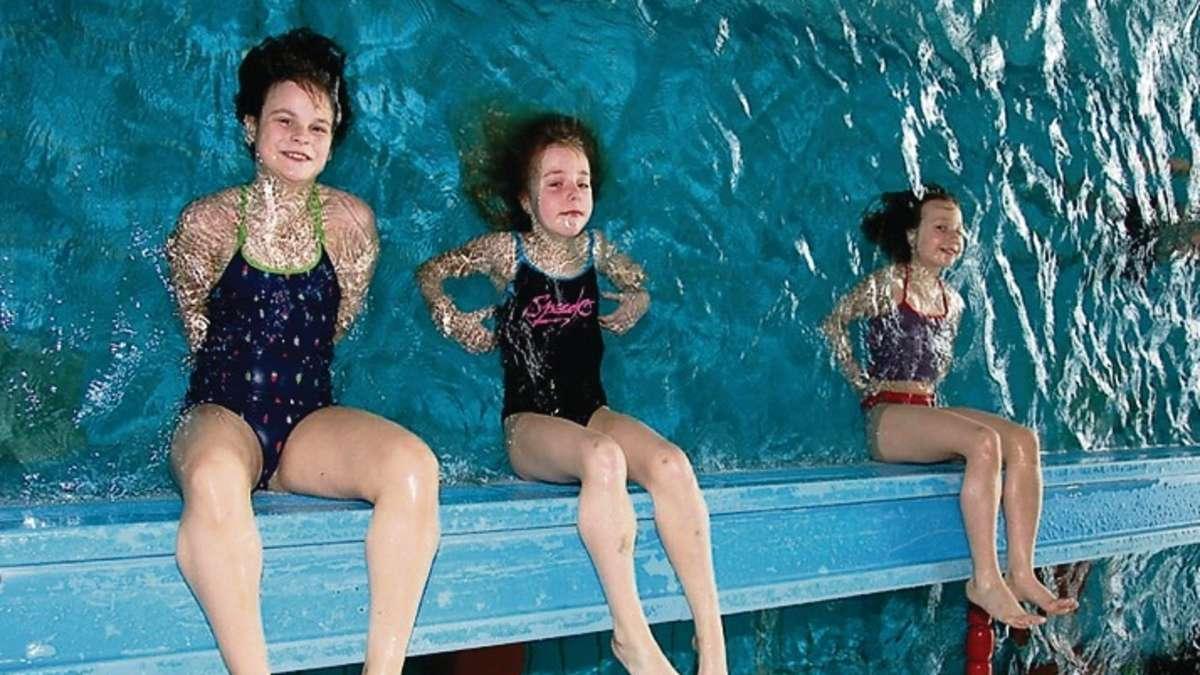 Dlrg bildet seit 1939 in neu isenburg schwimmer aus neu for Schwimmbad neu isenburg