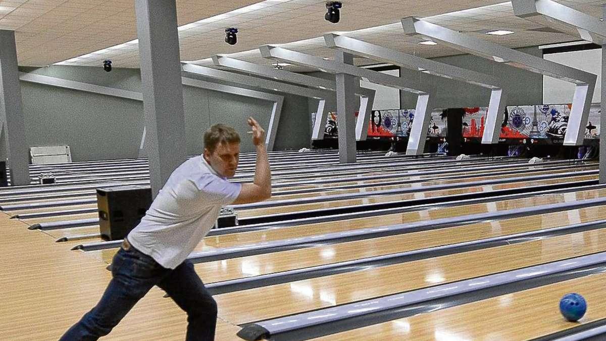 gut holz im neurott langen ist ein hoch modernes bowling center entstanden langen. Black Bedroom Furniture Sets. Home Design Ideas