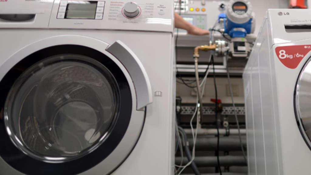 zu laute waschmaschine mann bedroht nachbar in frankfurt mit schusswaffe frankfurt. Black Bedroom Furniture Sets. Home Design Ideas