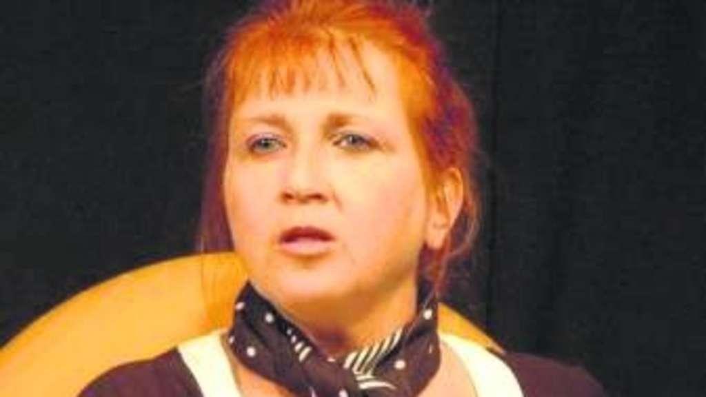 Birgit Schön in der Rolle der Paula Foto: <b>Heike Bandze</b> - 812245279-4c16d2ca-3cc3-485d-a077-ccc5e6580811-lKsTBEJa7
