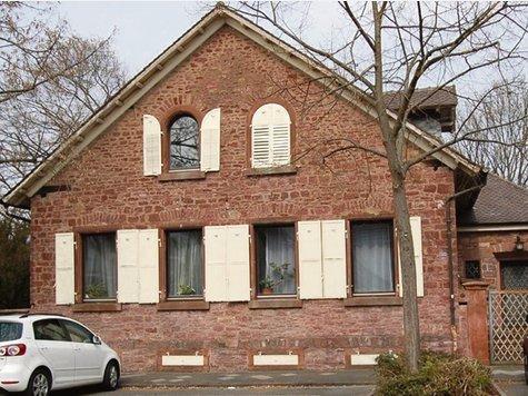Ein halbes Jahr hat es gedauert, das zuletzt leer stehende Haus an der Rheinstraße wieder auf Vordermann zu bringen. (c)Foto: ms