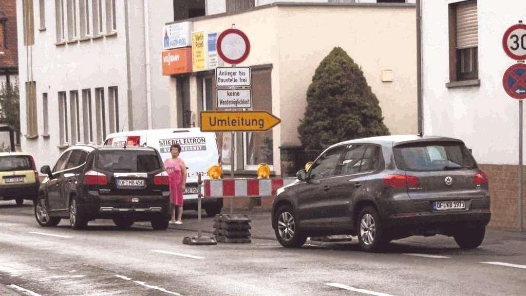 Ortsdurchfahrt froschhausen vier wochen gesperrt stadtwerke sanieren wasserversorgung for Seligenstadt schwimmbad