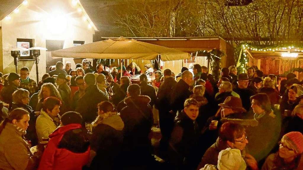 weihnachtsmarkt in dudenhofen mit acht st nden vom regen. Black Bedroom Furniture Sets. Home Design Ideas