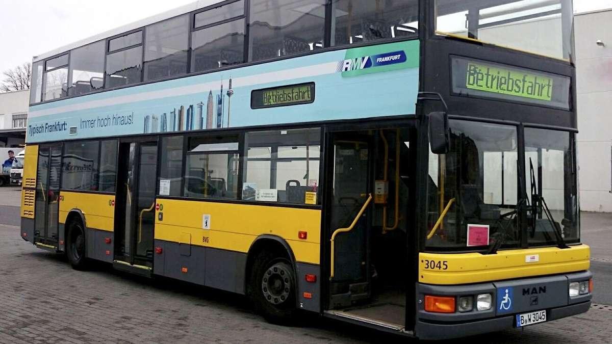 doppeldecker bus kommt in frankfurt gut an frankfurt. Black Bedroom Furniture Sets. Home Design Ideas