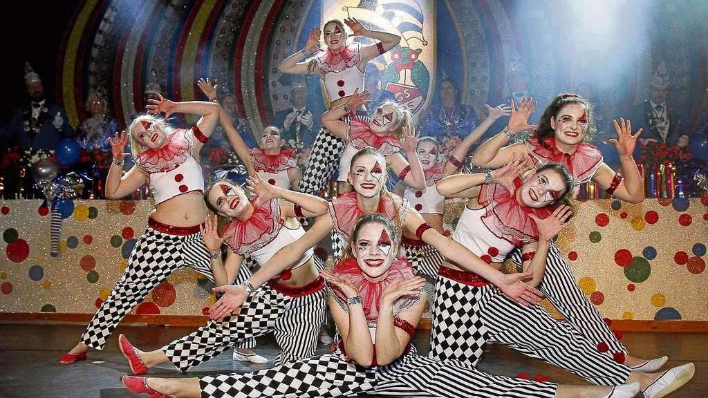 """Tanz ist Trumpf bei den Sitzungen der TGS. So sorgten Formationen wie """"Showtime""""mit hochklassigen Auftritten für Begeisterung unter den närrischen Zuschauern."""