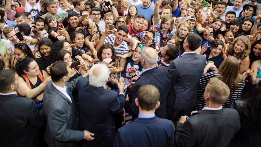 Bernie Sanders campaigns in Oregon