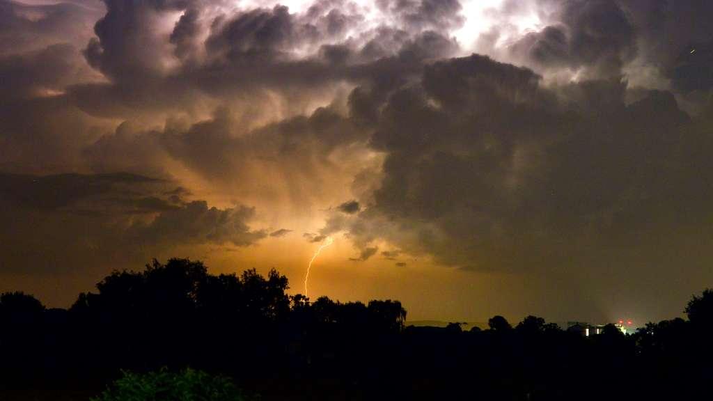 In der Nacht Schauer und Gewitter