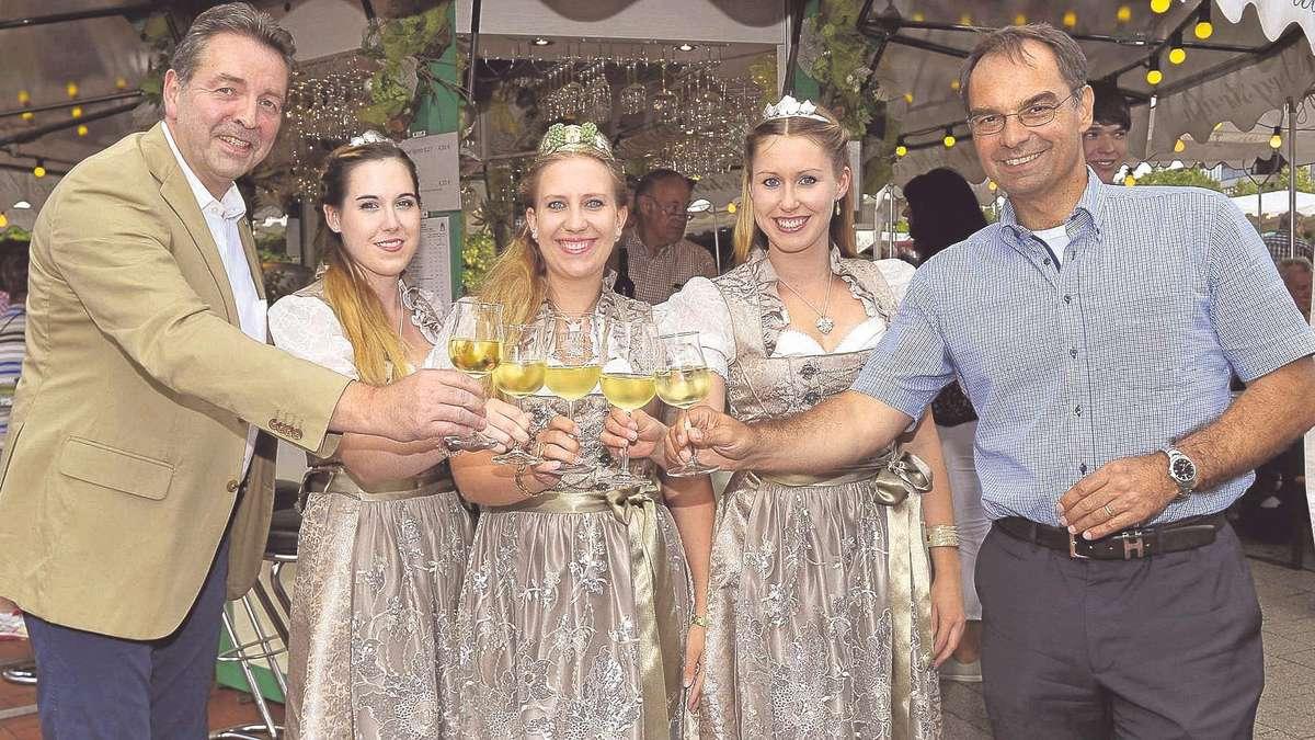 Weinfest in dietzenbach auf dem europaplatz flie t seit for Europaplatz 4 darmstadt