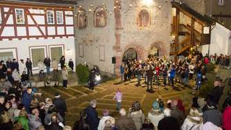 Bilder: Adventsmarkt in Seligenstadt