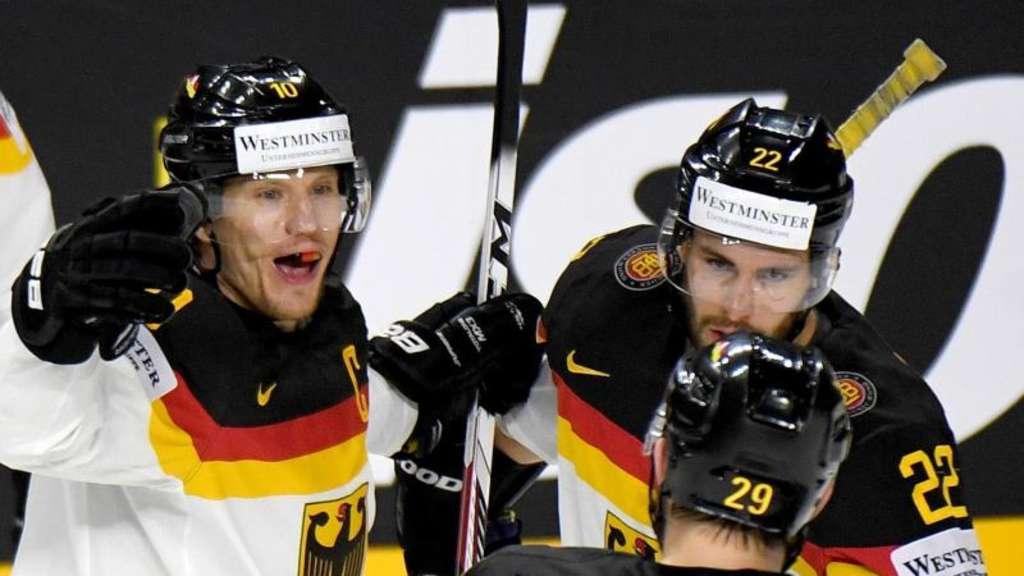 Vor Alles-oder-Nichts-Spiel: Eishockey-Team setzt bei WM auf Fans
