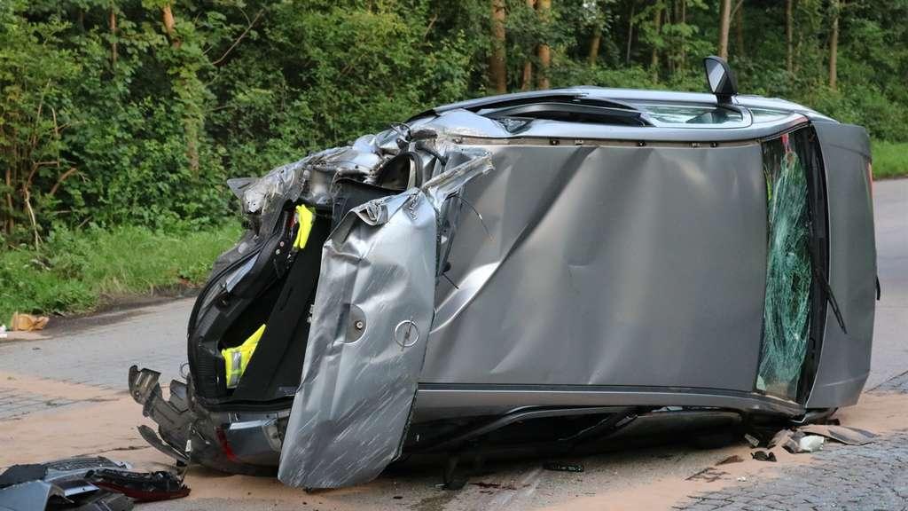 Unfall auf A5 bei Bensheim: Fahrer und Kind schwer verletzt