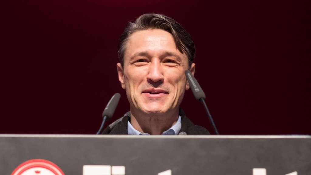 Bundesliga: Augsburg gewinnt gegen Frankfurt