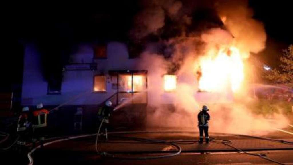 Brand in Homberg-Ohm Wohnhaus in Flammen