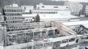 """Beim Brand im Möbelhaus """"Mam-Limited"""" entstand ein Schaden in ..."""