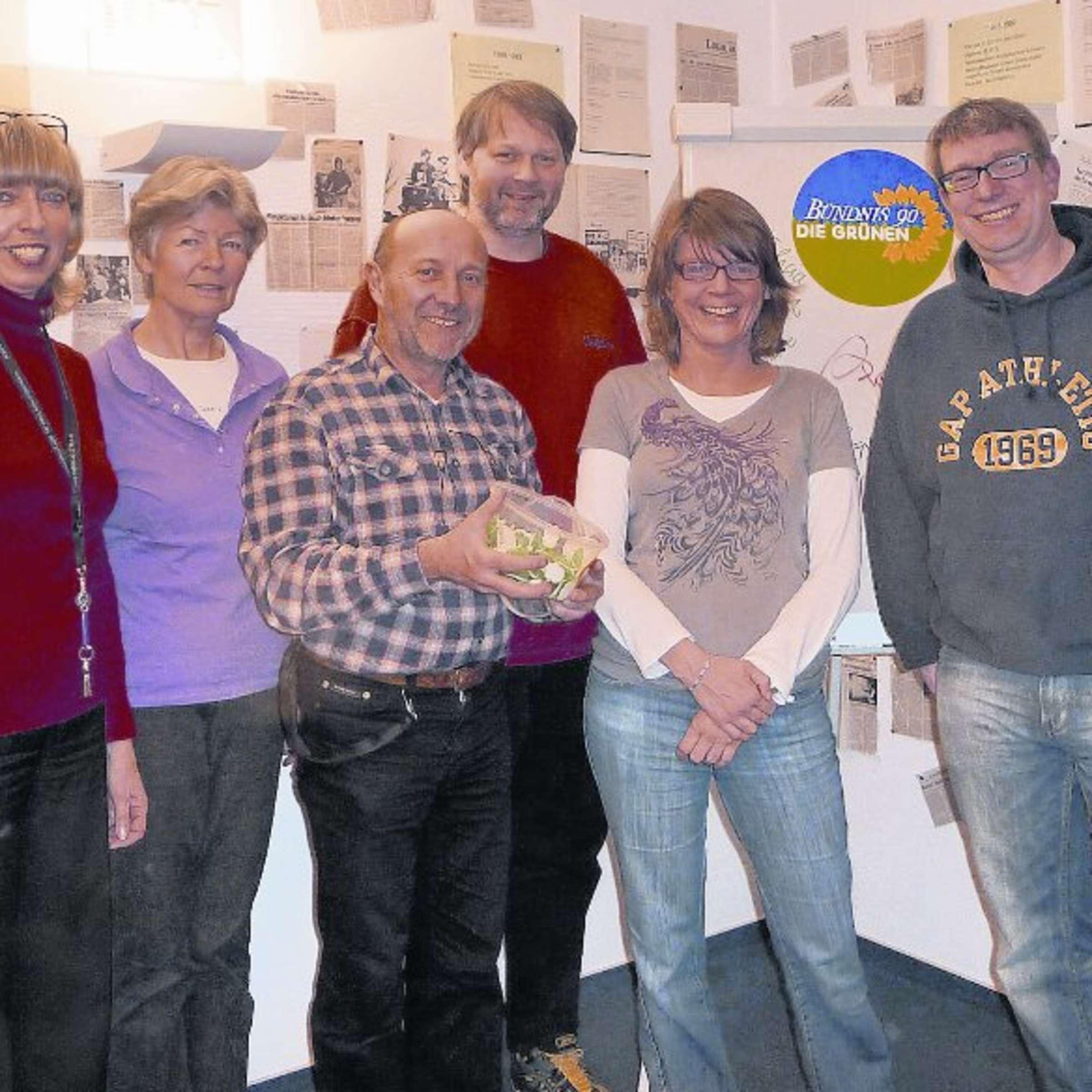 Obertshausener Grune Ziehen Mit Greenteam In Den Kommunalwahlkampf Und Wollen 2011 Zulegen Obertshausen