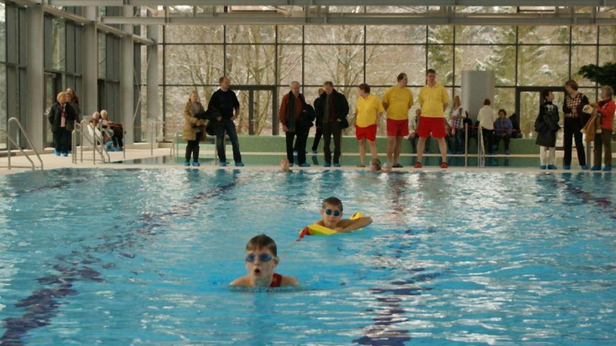 Schwimmbad in heusenstamm er ffnet heusenstamm for Seligenstadt schwimmbad