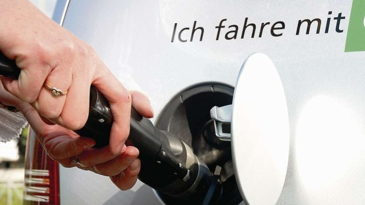Es ist wieviel die Liter des Benzins im Tank ford der Brennpunkt 1