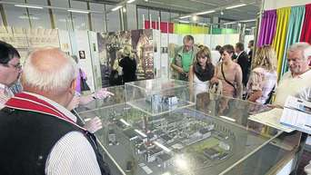 Allessa Chemie Vermacht Stadt Ihr Werksmuseum Exponate Im Depot