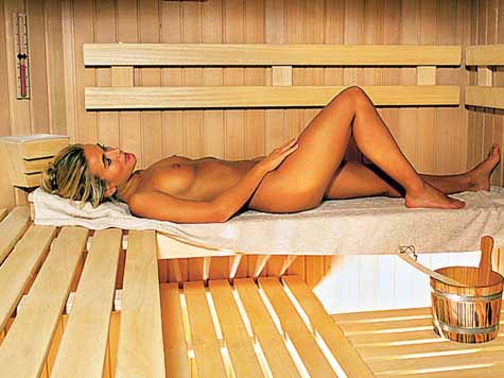 Getting naked in austrian saunas