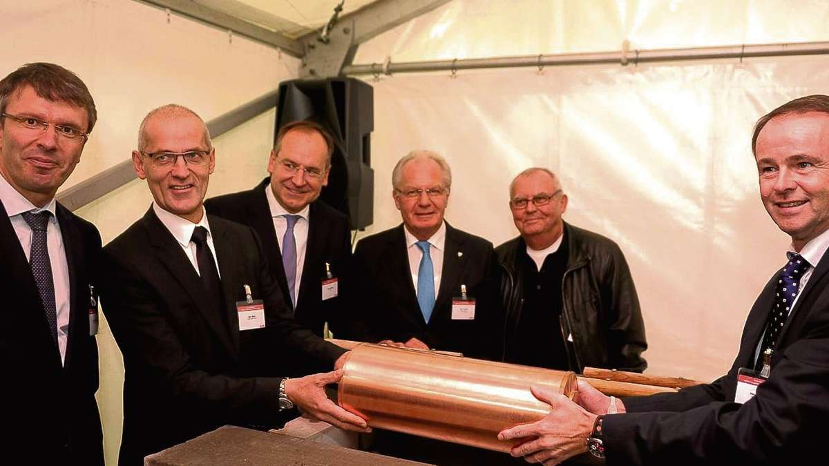 Grundsteinlegung der lebensmittelkonzern rewe errichtet for Rewe obertshausen