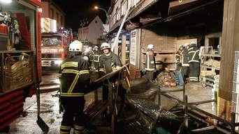 02233f86c0f53 Brand auf dem Gelände der Metzgerei Picard in Hausen  Polizei sucht ...