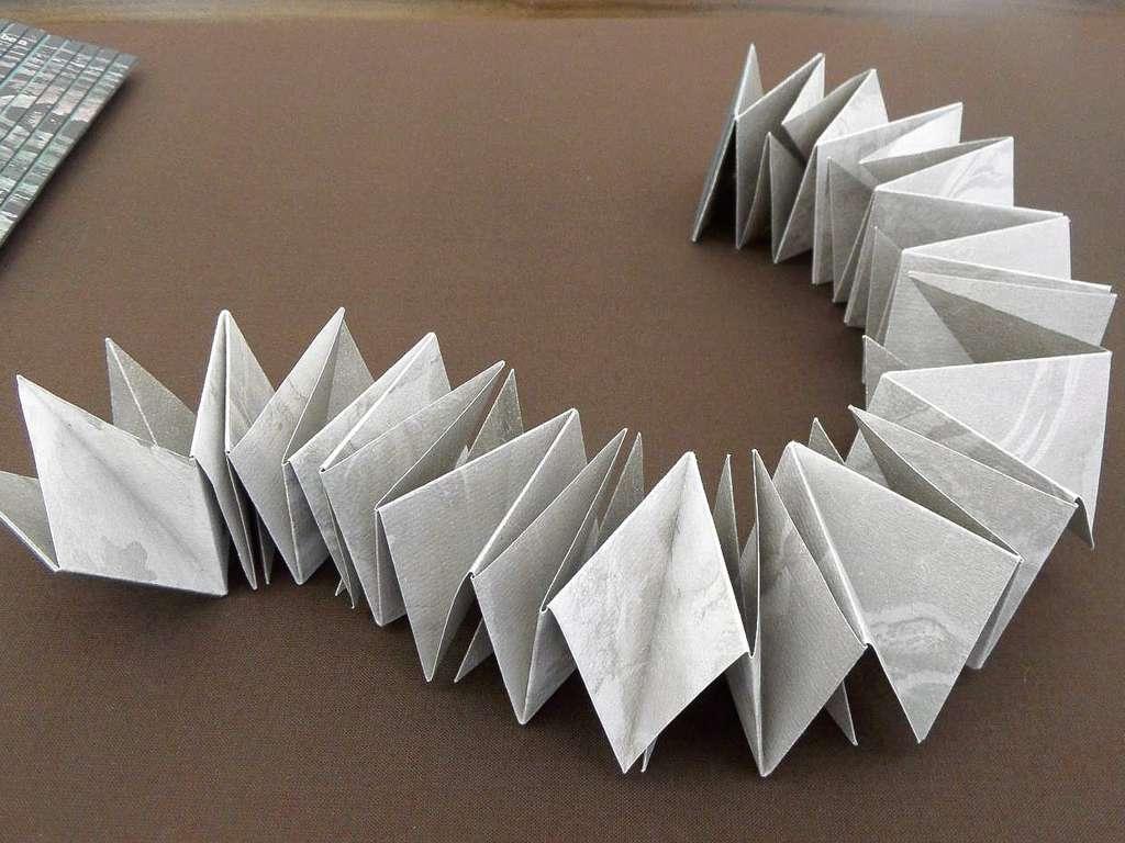 Papier Skulpturen Schweizer Gruppe Buchundform Im Offenbacher Klingspor Museum Region