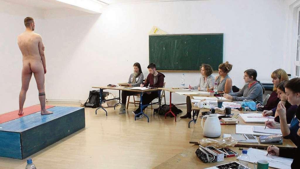 Aktzeichnen an der schule f r mode grafik und design in for Schule fur mode und design