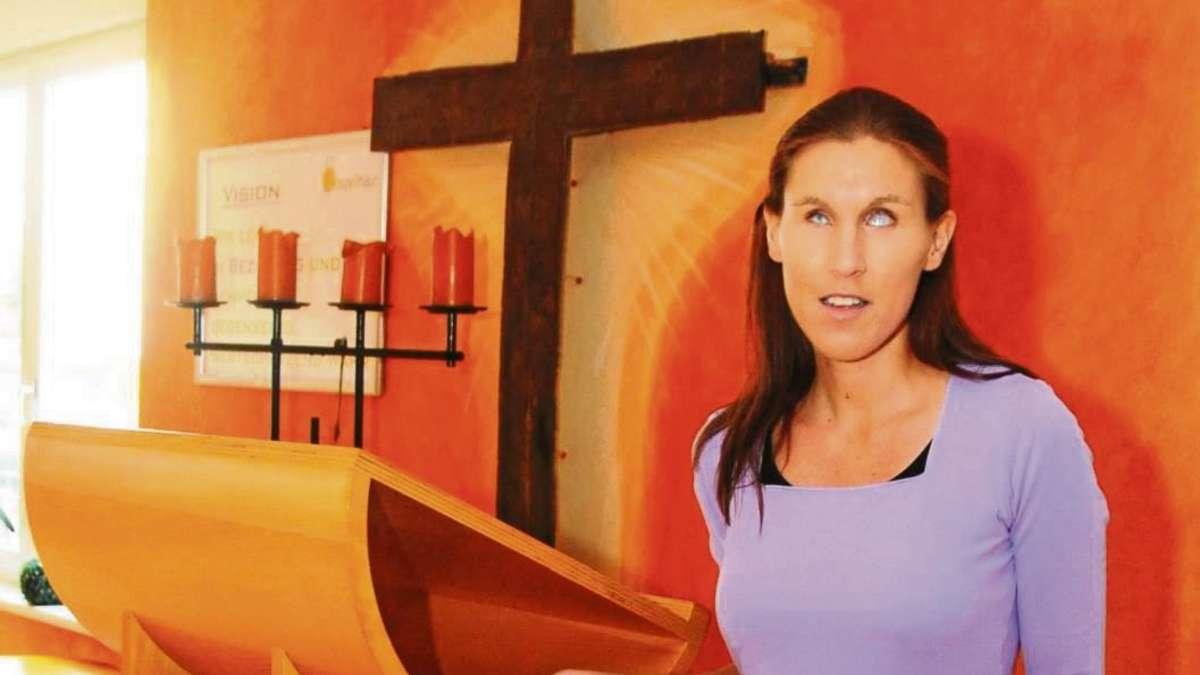 Vikarin Ramona Gelber aus Babenhausen spricht über ihre Arbeit ...