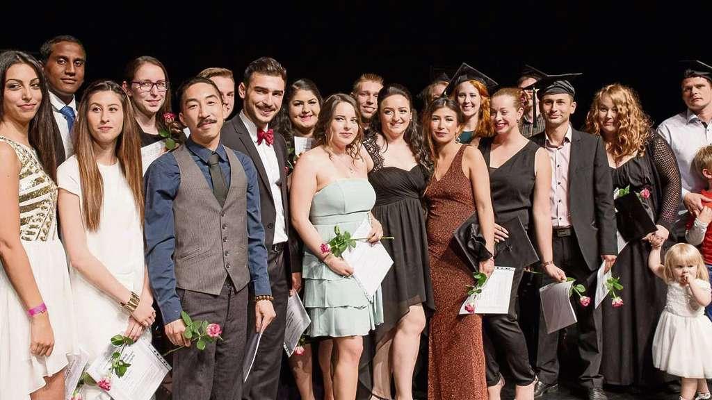 Sie haben im Jubiläumsjahr das Abitur an der Schule für Erwachsene in Dreieich bestanden. Das wurde natürlich groß gefeiert.