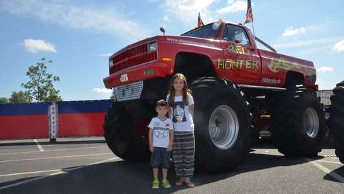 Bilder: Stuntshow der Monstertrucks in Rodgau