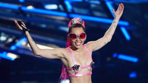 SO moderierte Miley Cyrus die MTV-Awards