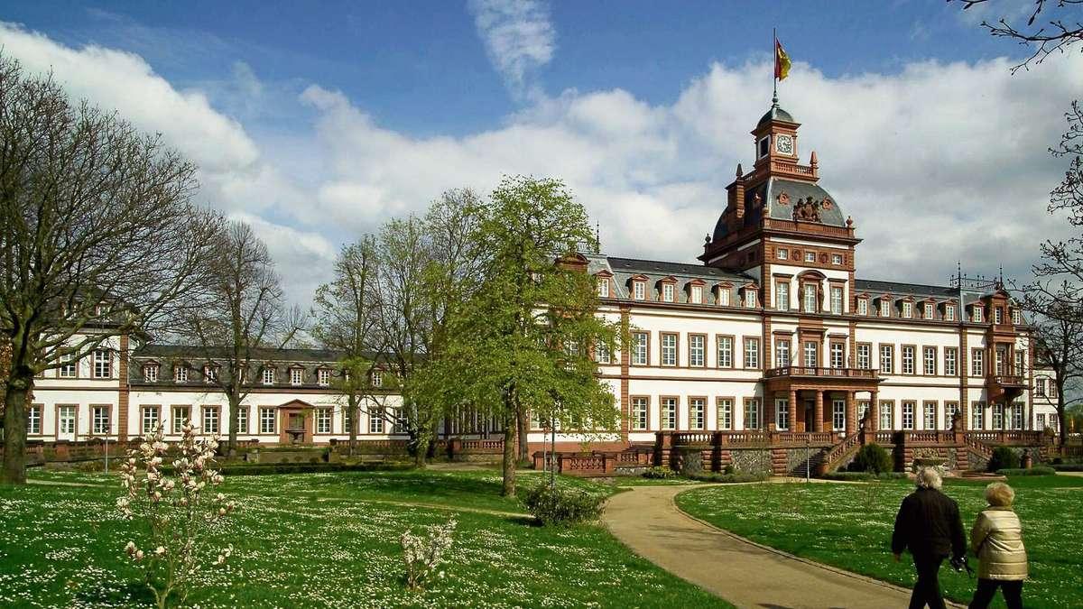 zum 125 geburtstag erinnern das frankfurter museum giersch und das hanauer museum schloss. Black Bedroom Furniture Sets. Home Design Ideas