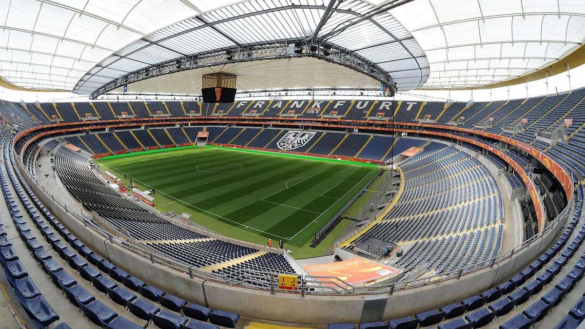 eintracht frankfurt will stadion ausbauen pl tze. Black Bedroom Furniture Sets. Home Design Ideas