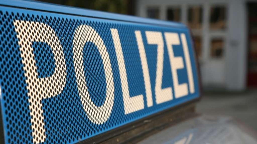 ... in Gelnhausen überfallen: Räuber flüchtet mit Schranktresor | Hanau
