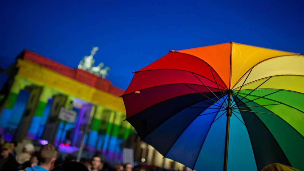 "Mahnwache ""Berlin for Orlando""."