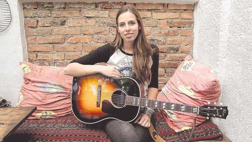 Open Doors: Singer-Songwriterin Dana Irmschler startet  durch