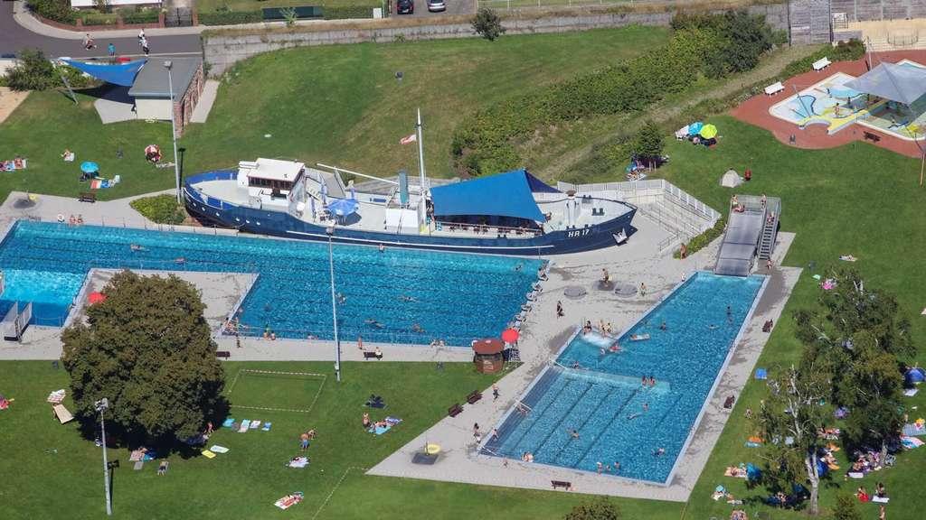 Schwimmbad In Hessen