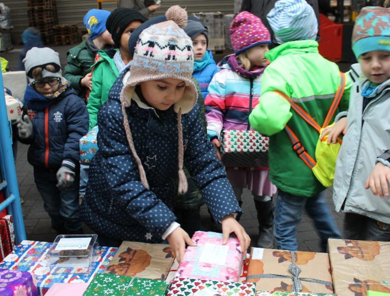 Kinderheim Weihnachtsgeschenke.Aktion Der Offenbach Post 1000 Weihnachtsgeschenke Für Kinder In