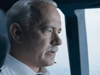 "Tom Hanks als ""Sully""."