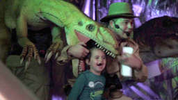 Dinosaurier Show in Offenbach-Bieber: Video