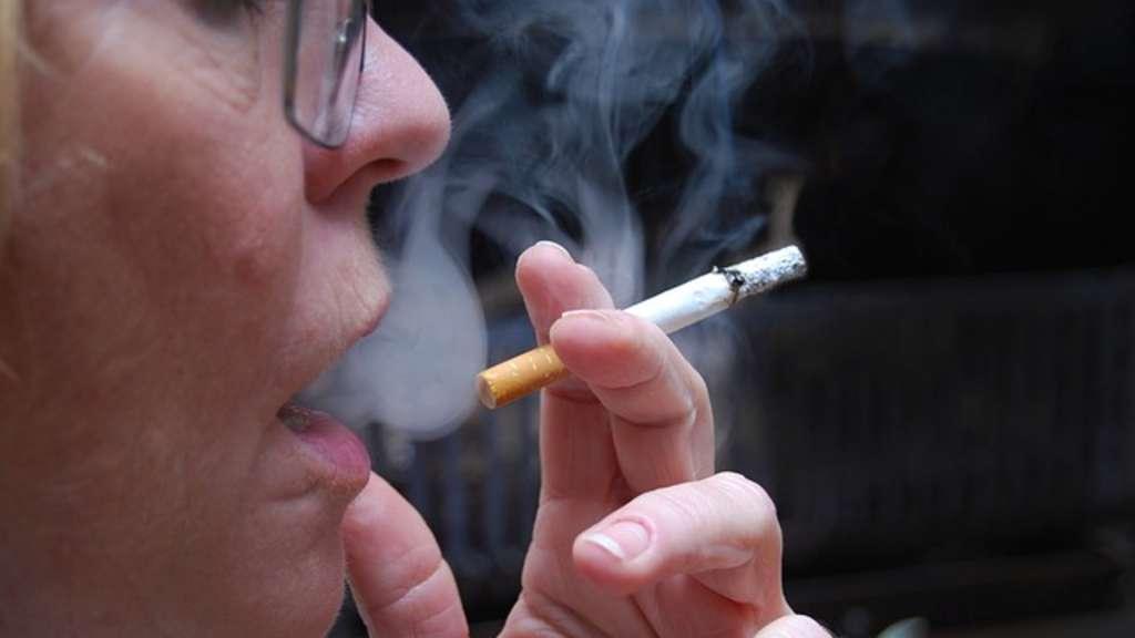 Behandlung bei COPD: Rauchstopp ist am wichtigsten. | Die Techniker