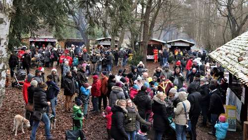 Adventsdorf in beschaulicher Naturkulisse