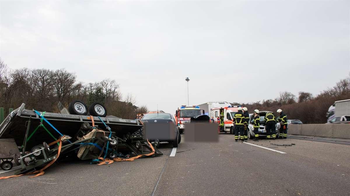 Unfall Auf A3 Bei Obertshausen Autobahn Gesperrt Obertshausen