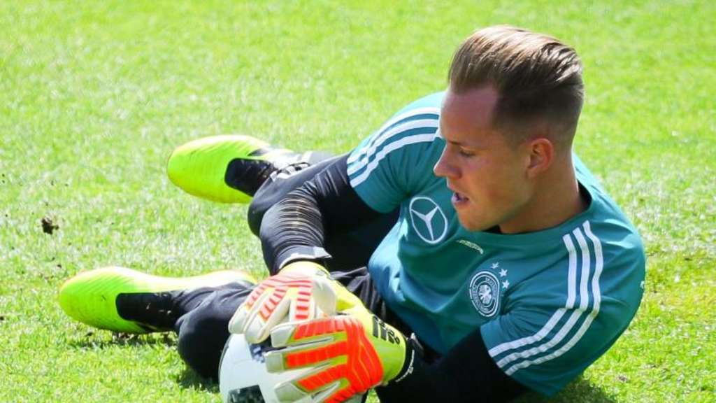Torwart Marc-André ter Stegen beim DFB-Training in Eppan. Foto: Christian Charisius
