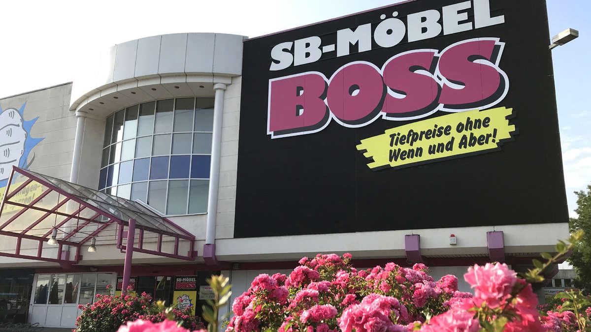 Nach Rassismus Eklat Möbelhaus Sb Möbel Boss In Offenbach Trennt