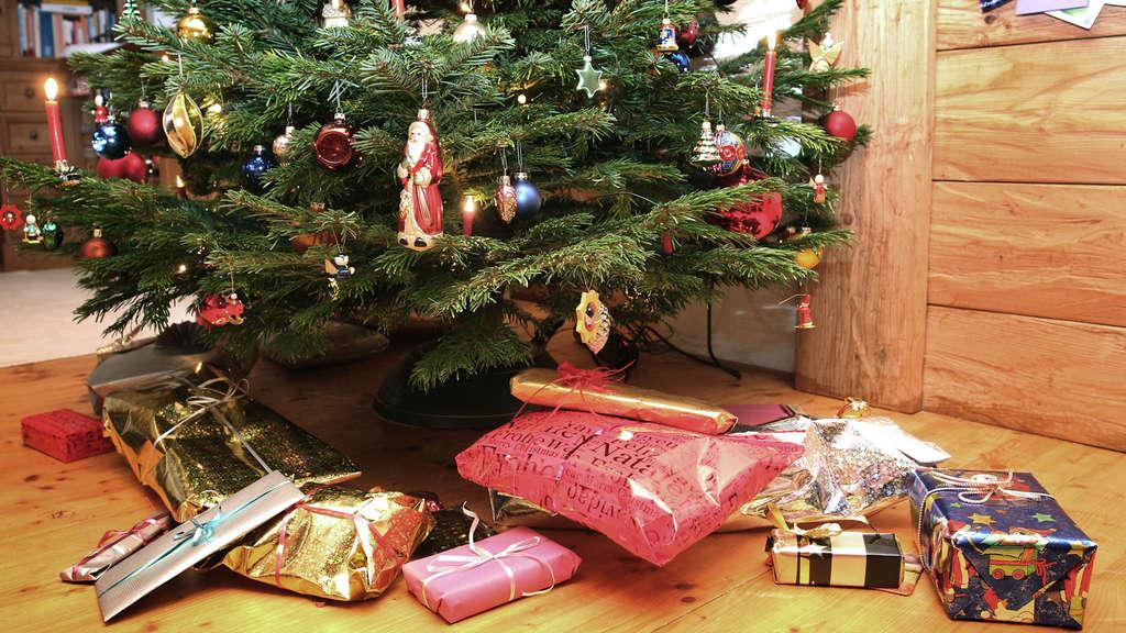"""Ein Päckchen zu Weihnachten: Geschenke-Aktion """"Kinder helfen Kindern ..."""