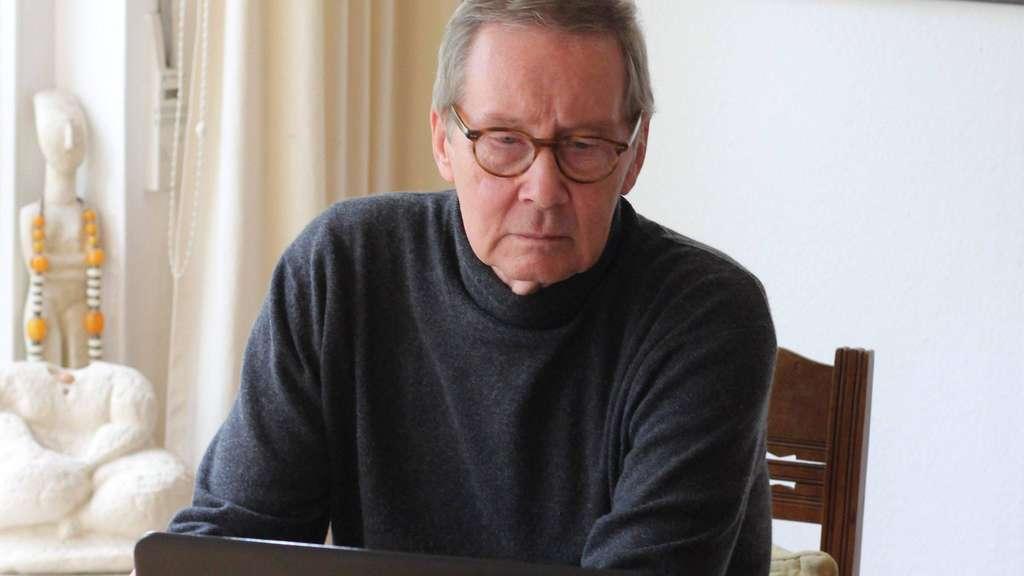 Leidenschaftlicher Statistiker: Der Stadtverordnete Jens Hinrichsen hat nun zum dritten Mal eine Gemeindestatistik erarbeitet, die er online zur Verfügung stellt. Foto: ron