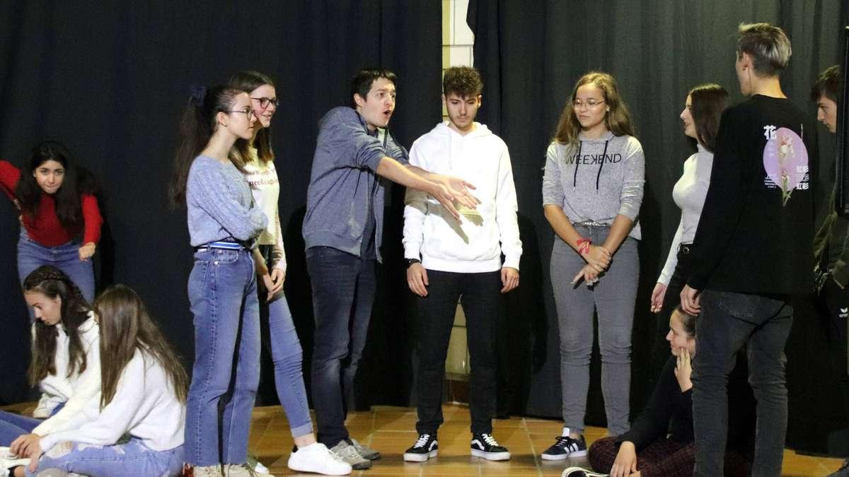 Heusenstamm: Schüler des Adolf-Reichwein-Gymnasiums zeigen Theater für Europa   Heusenstamm - op-online.de