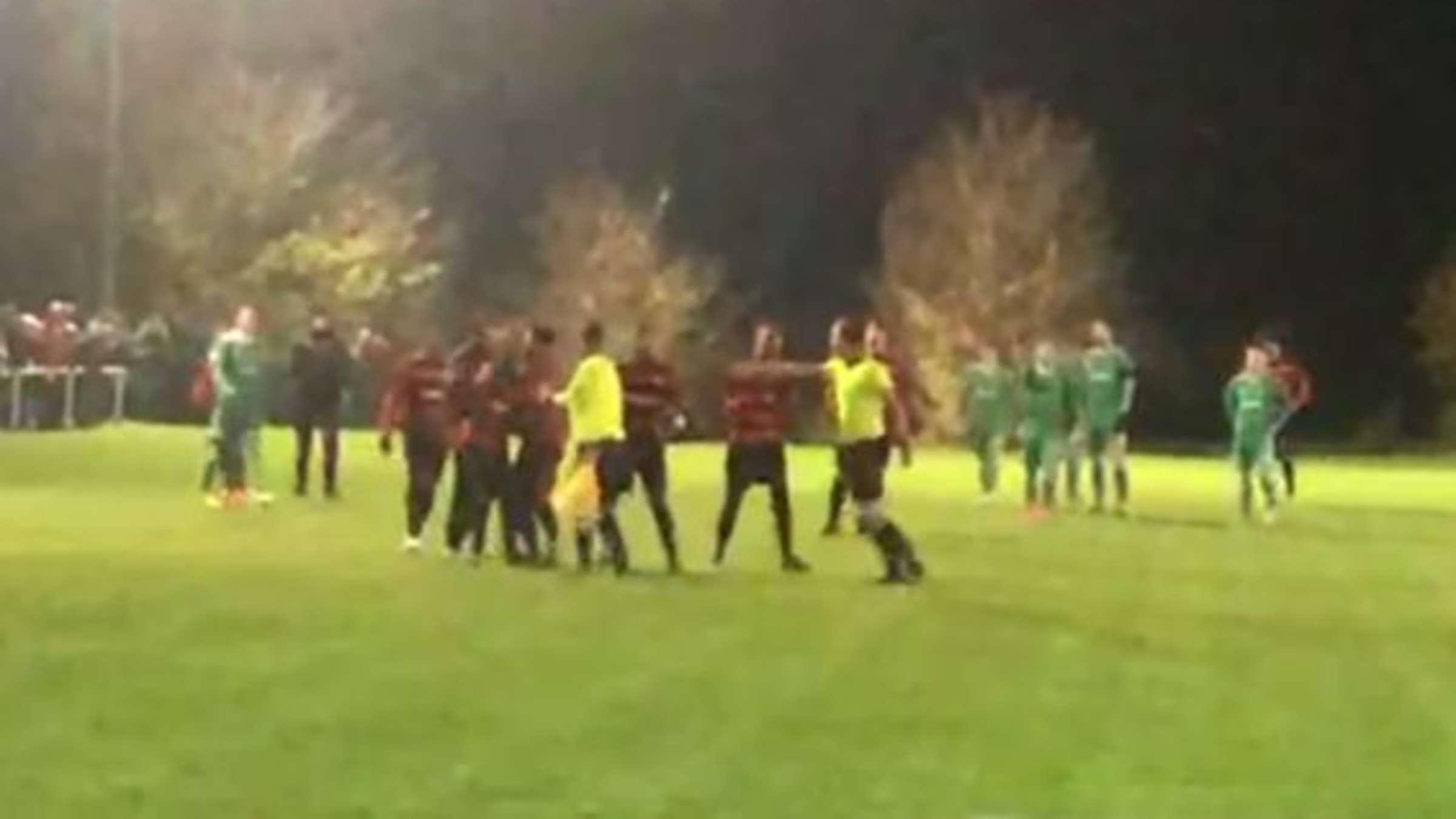 Russingen Attacke Auf Fussball Schiedsrichter Spielabbruch